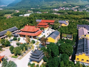 View of the Shou Sheng Temple from the nearby Pagoda (Photo credit: Chase Stewart)